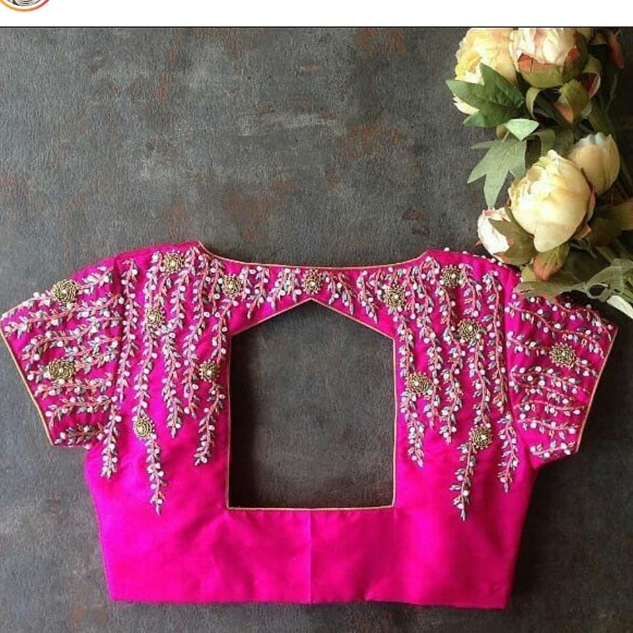 hut cutout blouse back design