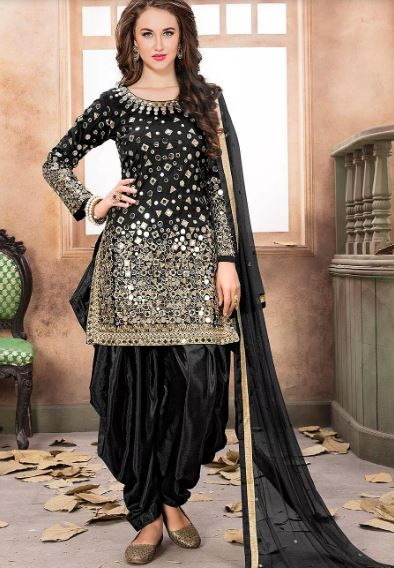 utsavfashion-black-suit-with-patiala-what-to-wear-for-first-lohri-after-wedding