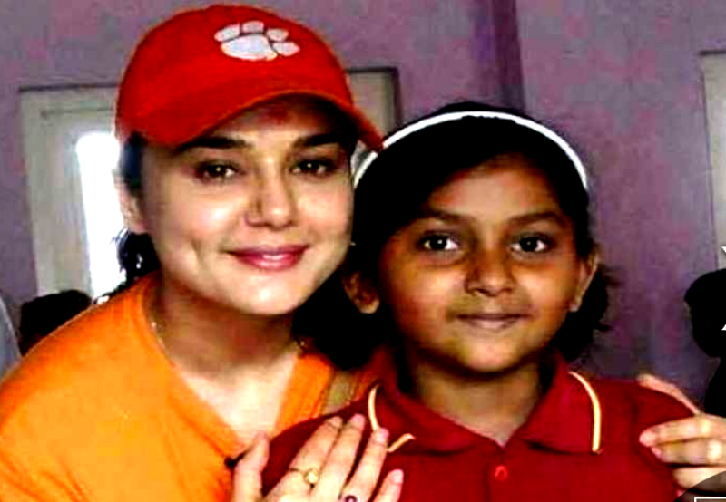 Bollywood celebs adopted kids 8