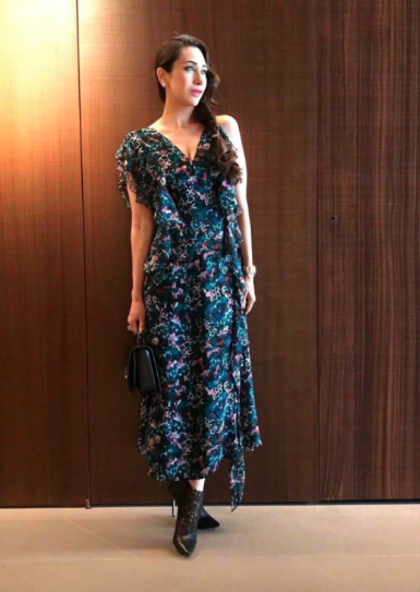 2-karisma-kapoor-dark-floral-print-dress-winter-