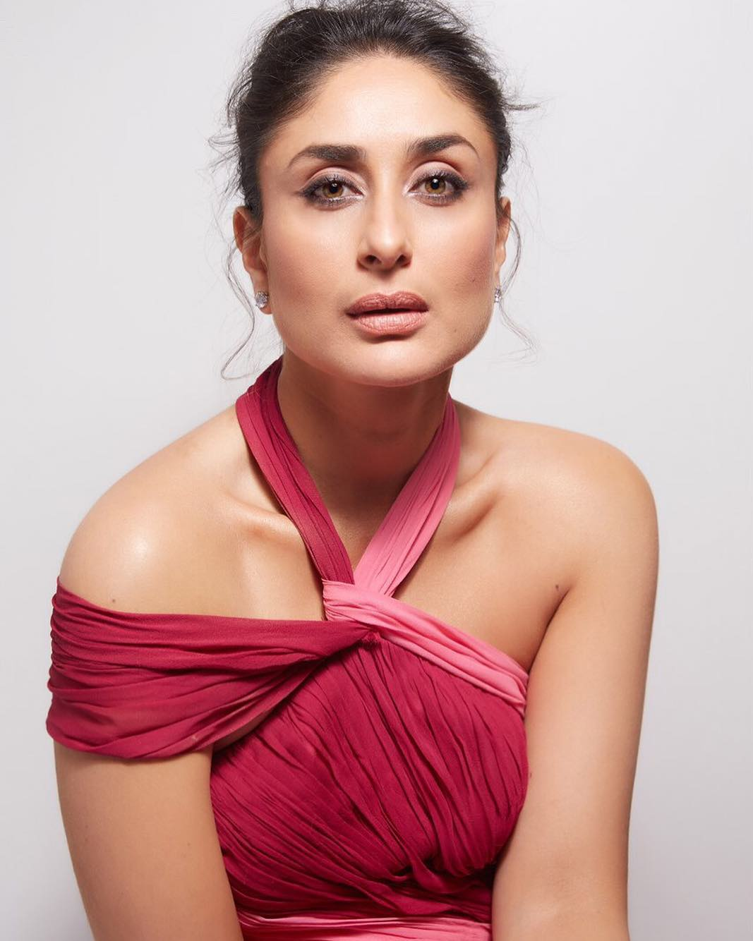 4-kareena-kapoor-minimal-makeup-look