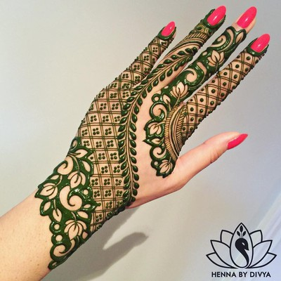 Leaf_Pattern_mehendi_designs_in_marathi
