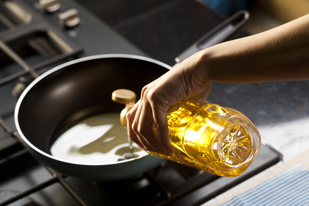 16-mustard-oil-for-frying-and-cooking