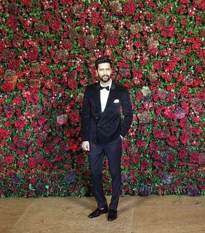 vicky-kaushal-deepver-bollywood-reception-guest-looks