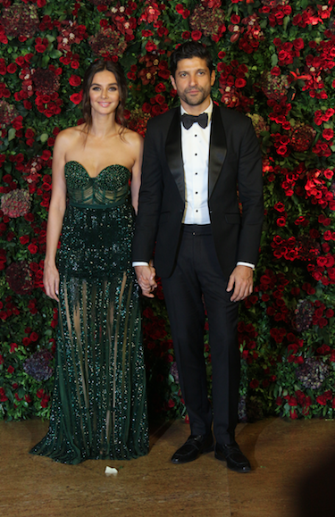 1-shibani-dandekar-and-farhan-akhtar-couple-deepveer-reception