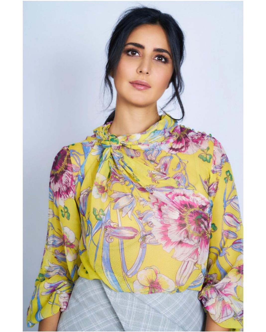 3-katrina-kaif-floral-top-by-prabal-gurung