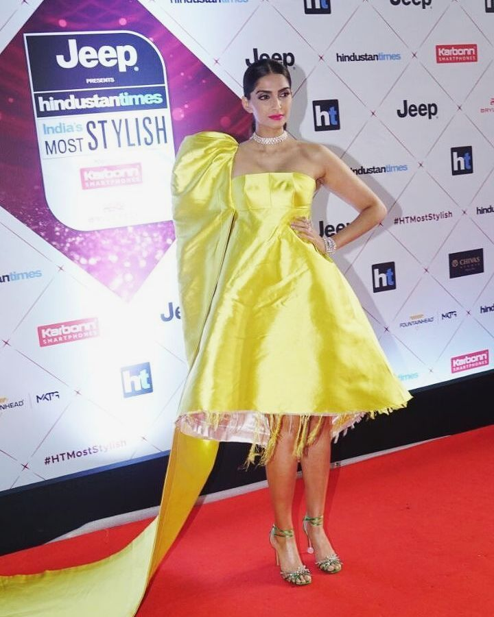 10-Fashion- Roundup-10-Celeb-Faux-Pas-You-Will-Never-Want-To-See-Again