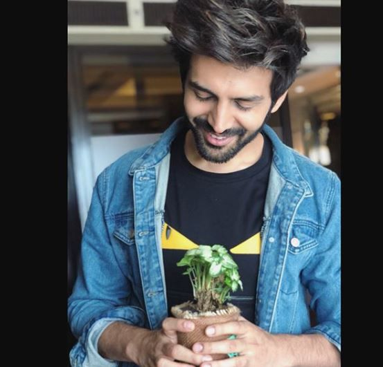 anushka sharma and kartik aaryan are the hottest vegetarians in india - kartik aaryan