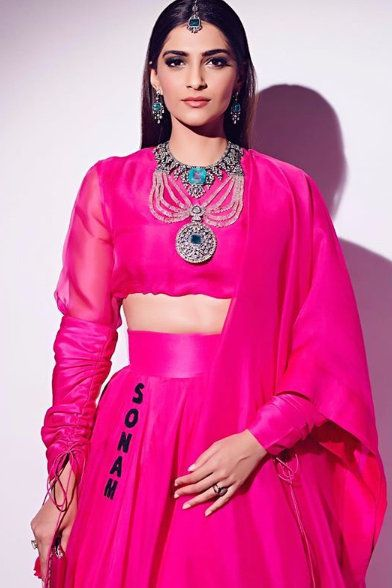 3-Sonam-K-Ahuja-Has-Just-Redefined-Pink