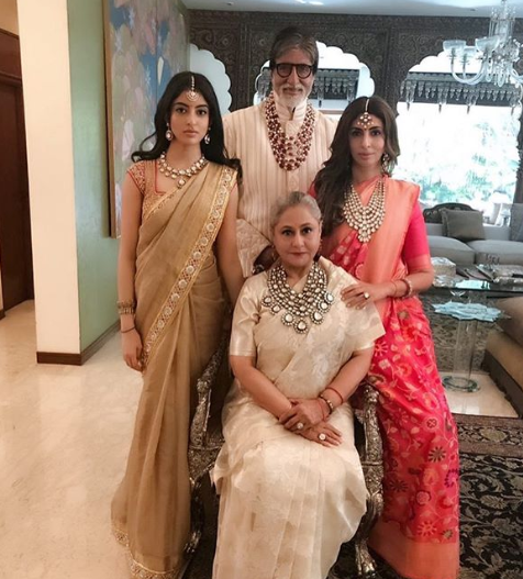 bachchan-family-necklace