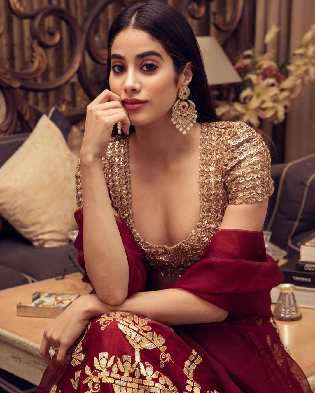 4-janhvi-and-khushi-janhvi-kapoor-in-deep-neck-blouse