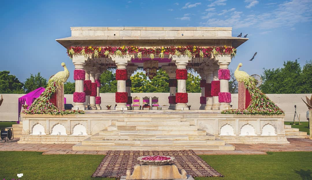 Wedding-Decor-Trends-Traditional4