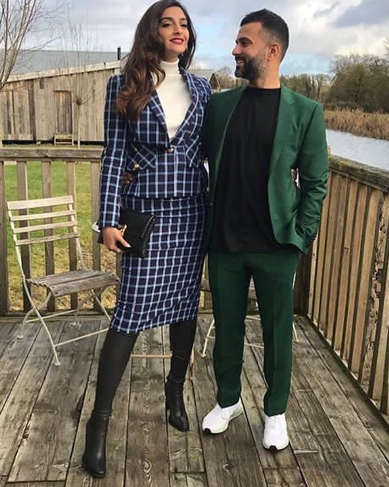 celebrity-couple-OOTD-2018-sonam-anand