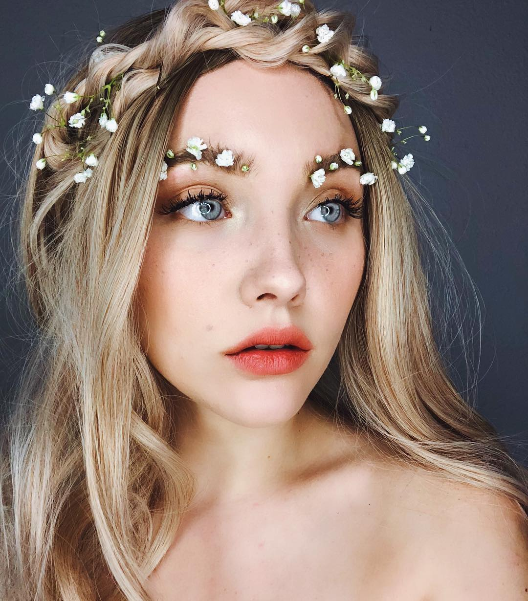 weird beauty trends from 2018 - floral brows