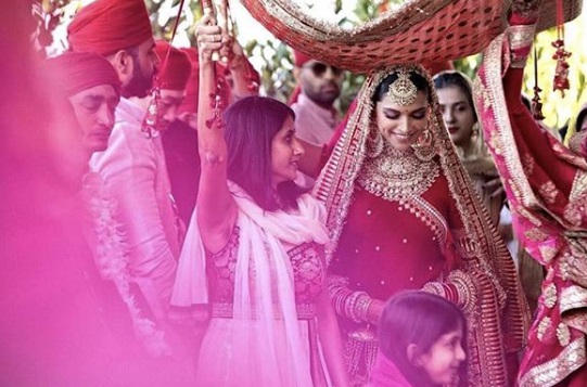 6-All-the-outfits-Sabyasachi-designed-for-Celeb-Weddings-in-2018