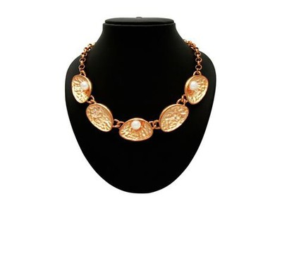 27-jewellery-design-GOLDEN-SHELL-STATEMENT-NECKLACE-WITH-PEARL-STUDS