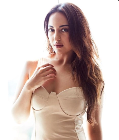 7-tips-for-long-hair-sonakshi
