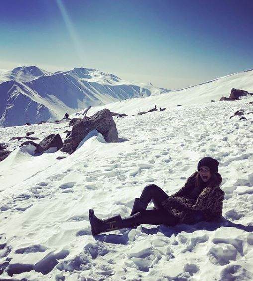 8-jennifer-winget-kashmir-holiday-snow