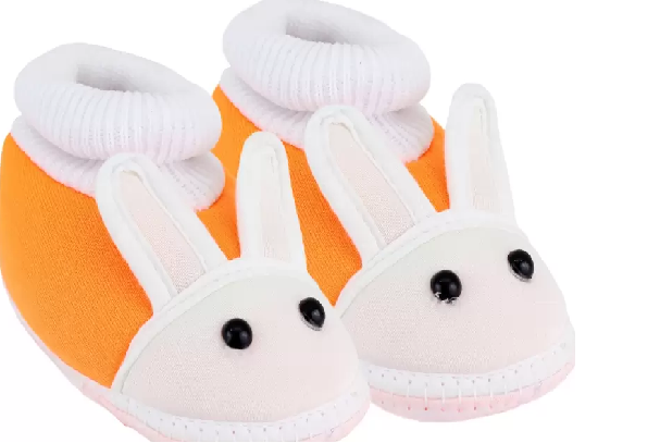 4-new-born-baby-gifts-booties