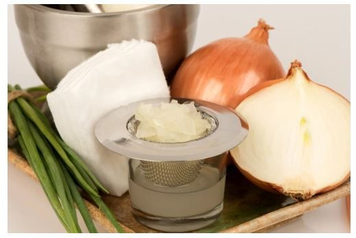 Onion-Juice-Hair-Benefits-2