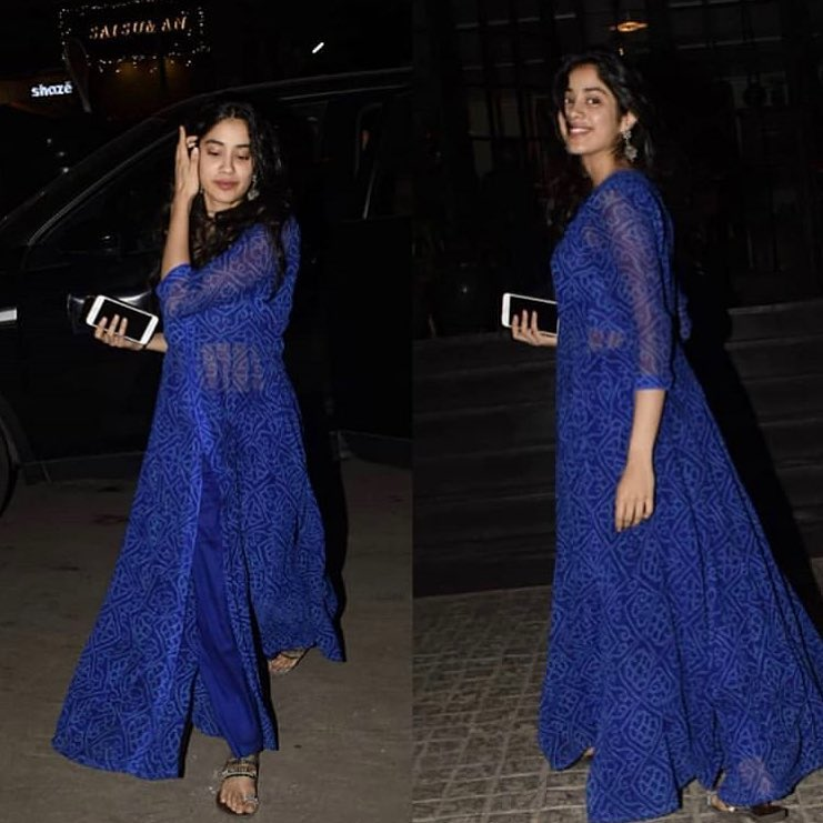 2-janhvi-kapoor-sheer-bandhni-blue-suit