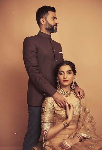 2-The-Kapoor-Clan-Is-Already-Owning-2019-With-These-Ethnic-Looks