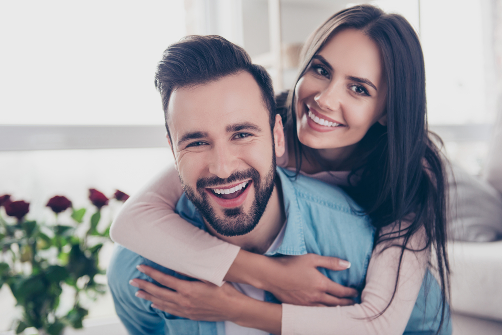 love horoscope 2019 - romantic couple 04