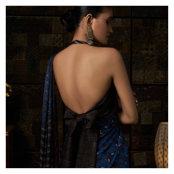 33-halterneck-with-bow-saree-blouse-back-design