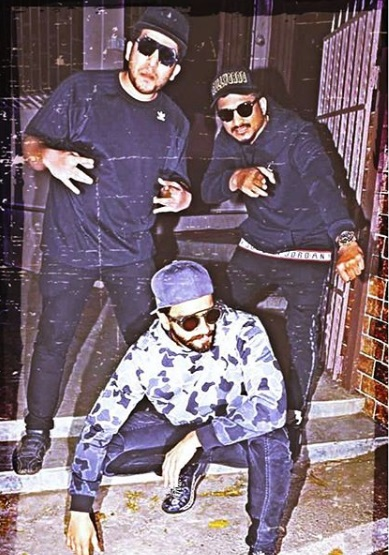 3-Gully-Boy-Ranveer-Singh-Is-Ready-To-Bring-The-House-Down-In-His-Latest-Rapper-Look