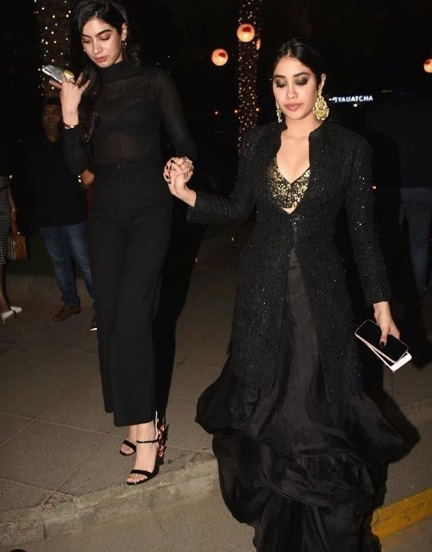3-The-Drop-Dead-Gorgeous-Kapoor-Clan-Is-Here-Again-And-You-Will-Want-To-Keep-Up-With-Their-Fashion-Game