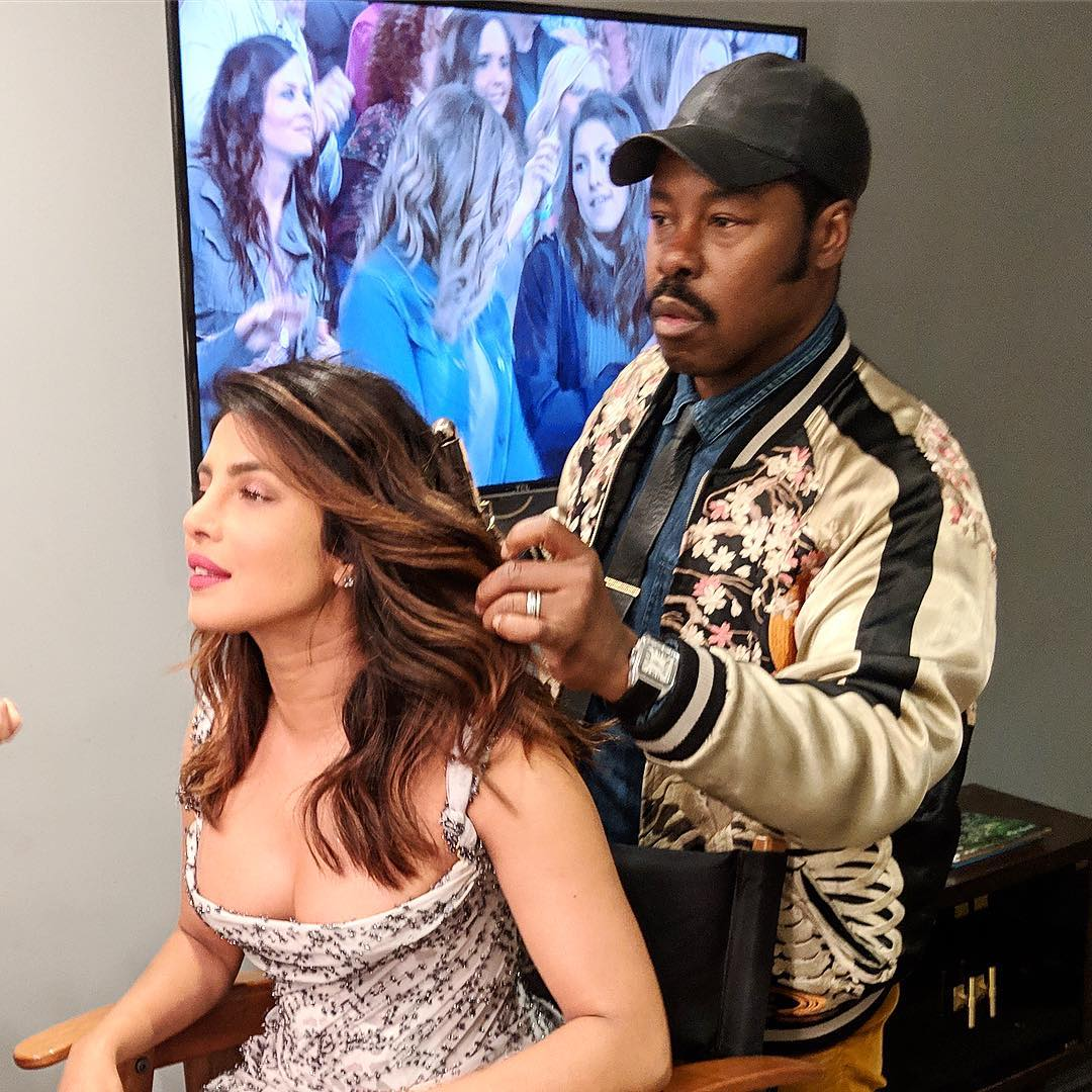 3 Bollywood Actresses Are Bringing Back The Soft Curls In Trend - priyanka chopra