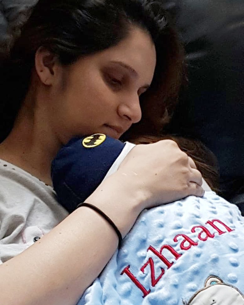 6-sania-mirza-with-her-baby-first-pic