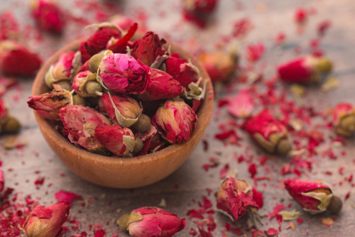 dried-rose-buds
