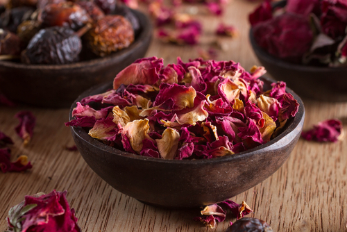 dried-rose petals