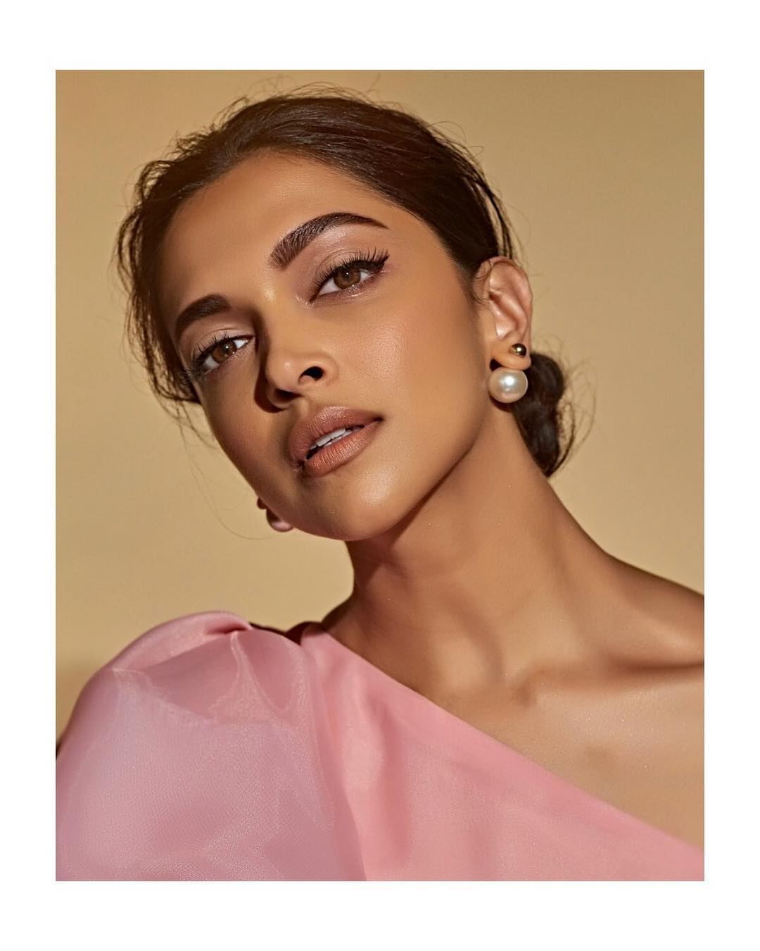 6 Try The Celeb-Approved Date Night Beauty Looks This Valentine's Day - deepika padukone