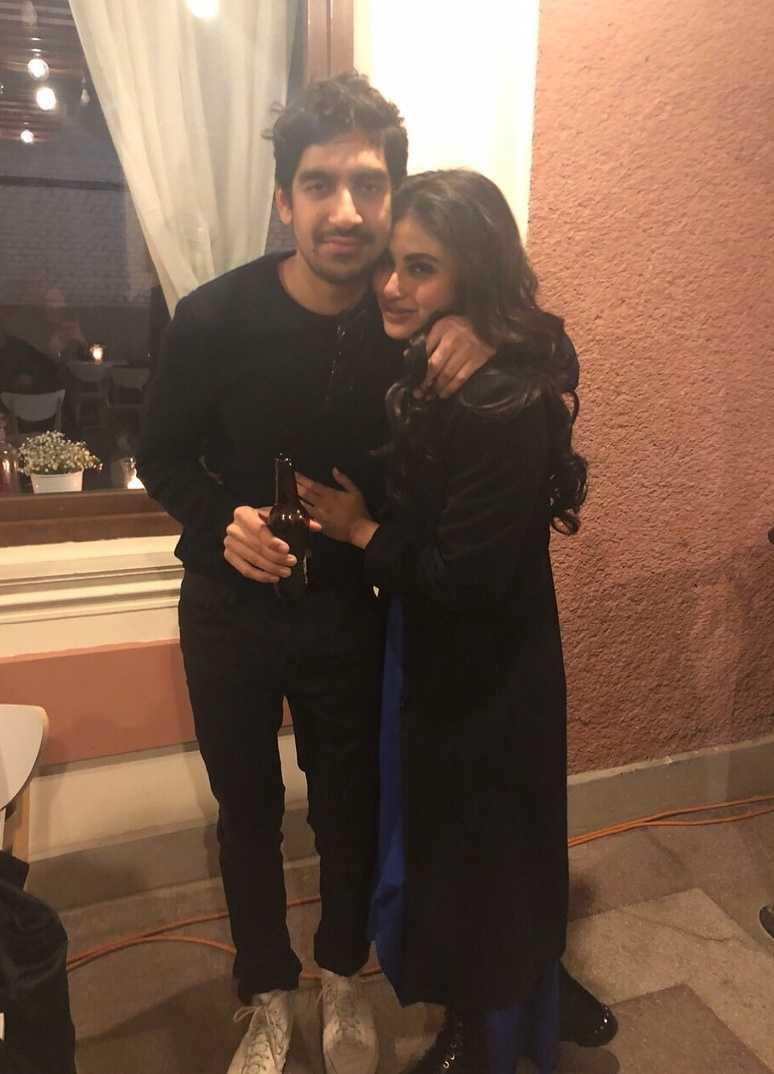 8-mouni-roy-celebrating-birthday-with-ayan-mukerji