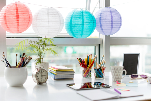 how-to-decorate-your-home-office-to-increase-your-productivity work-station