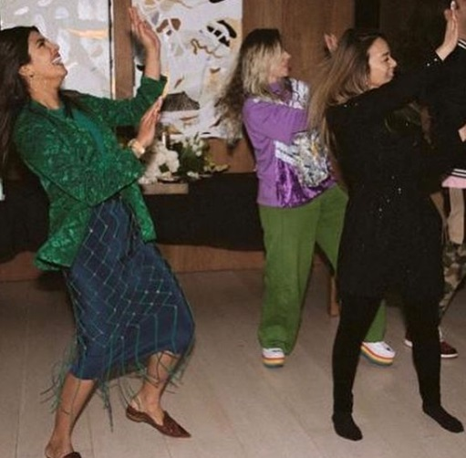 2-Move-Over-2019-Grammys-Desi-Girl-Priyanka-Chopra-Knows-How-To-Bring-The-Party-Home