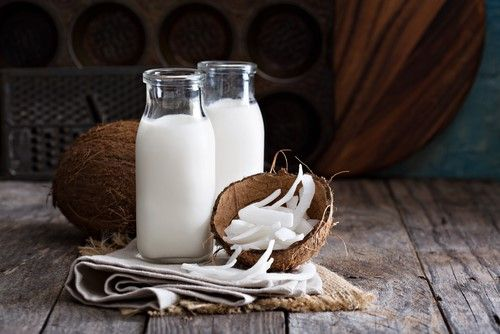 coconut milk for thick eyelashes