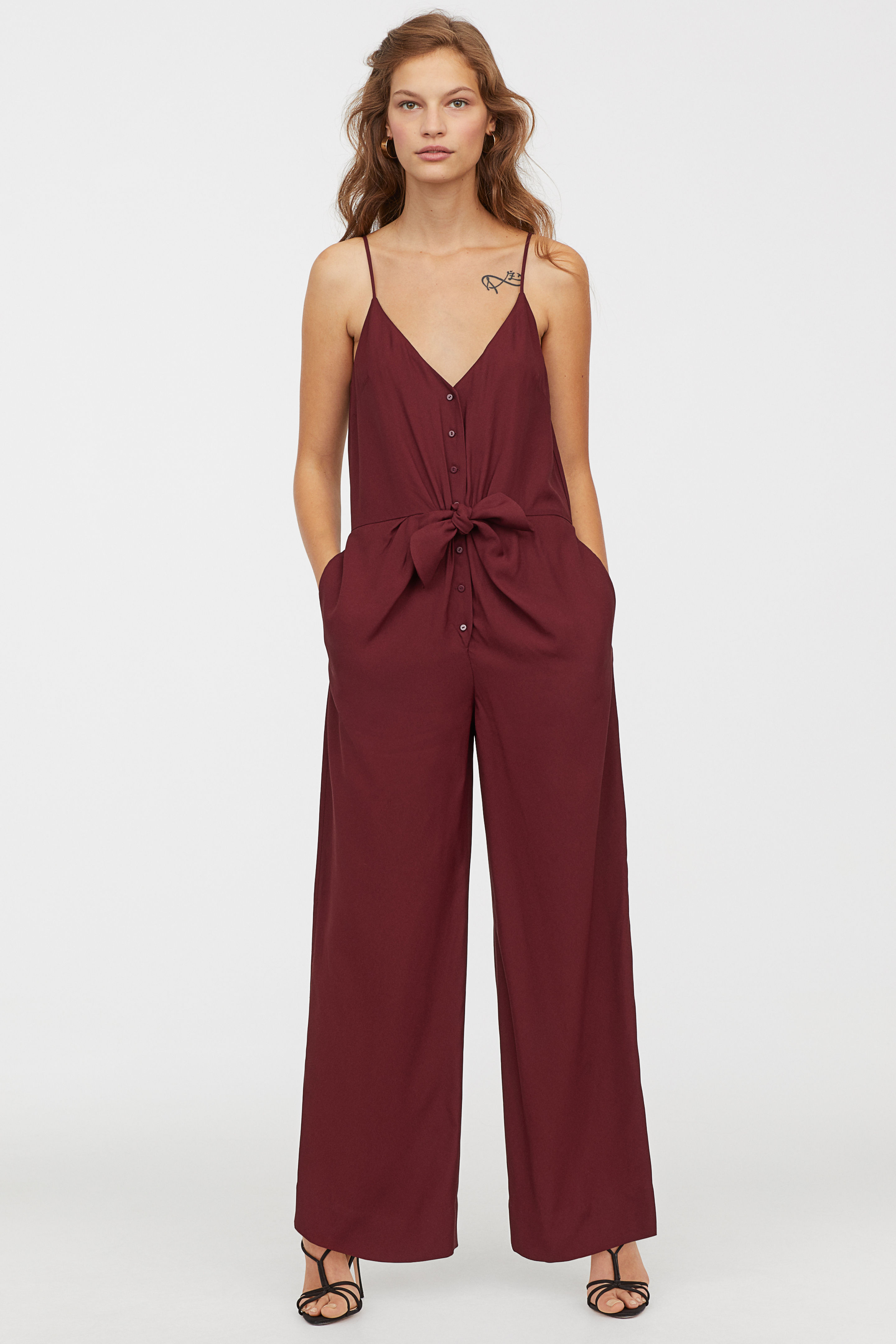 4-hm-jumpsuit-valentines-day-ideas-not-red-pink