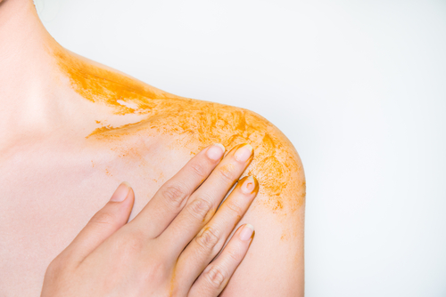 turmeric-skin-benefits-gets-rid-of-tanning