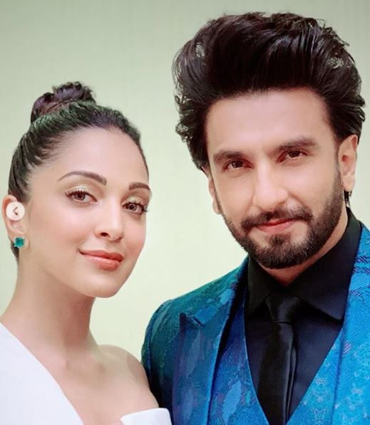 Glossy Lids  Dewy Skin  How To Get Kiara Advani%E2%80%99s Simple But Stunning Look - kiara and ranveer at gully boy success party