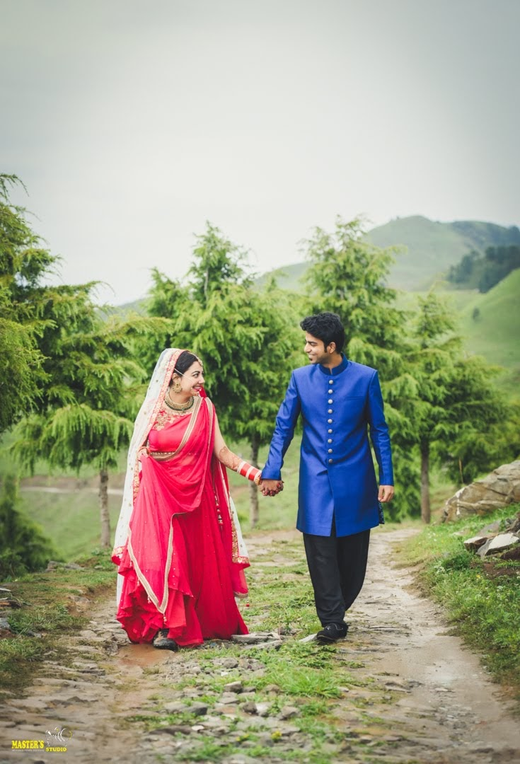 trek-couple-wedding-ceremony