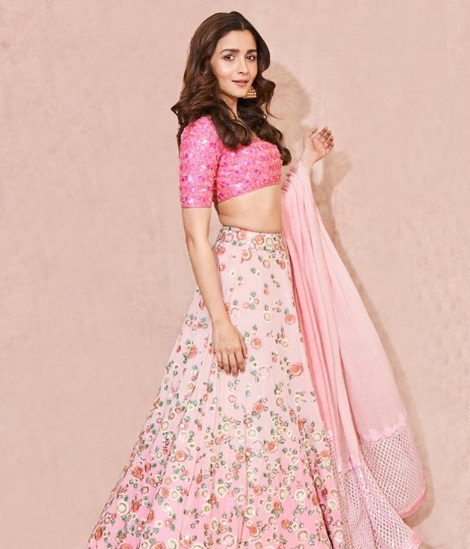 2-These-3-Bollywood-Divas-In-Their-Oh-So-Dreamy-Lehengas-Is-All-You-Need-For-That-Twirl-Inspiration
