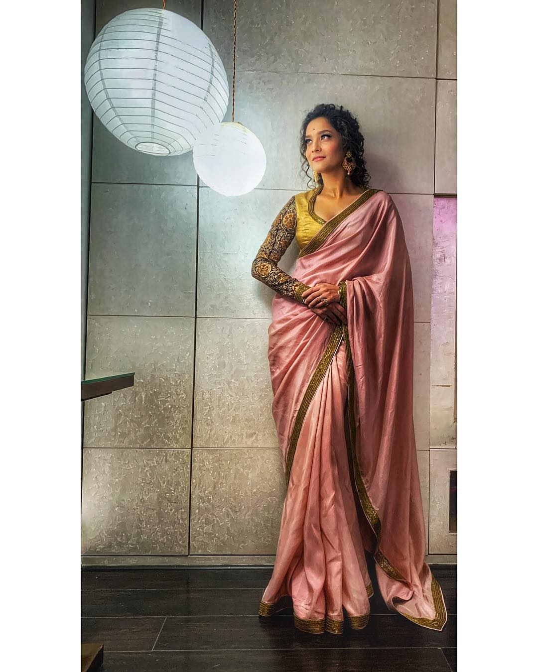 2 Ankita Lokhande Styled Her Curls Perfectly For The Most Gorgeous Sari Look