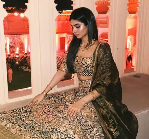 5-These-3-Bollywood-Divas-In-Their-Oh-So-Dreamy-Lehengas-Is-All-You-Need-For-That-Twirl-Inspiration