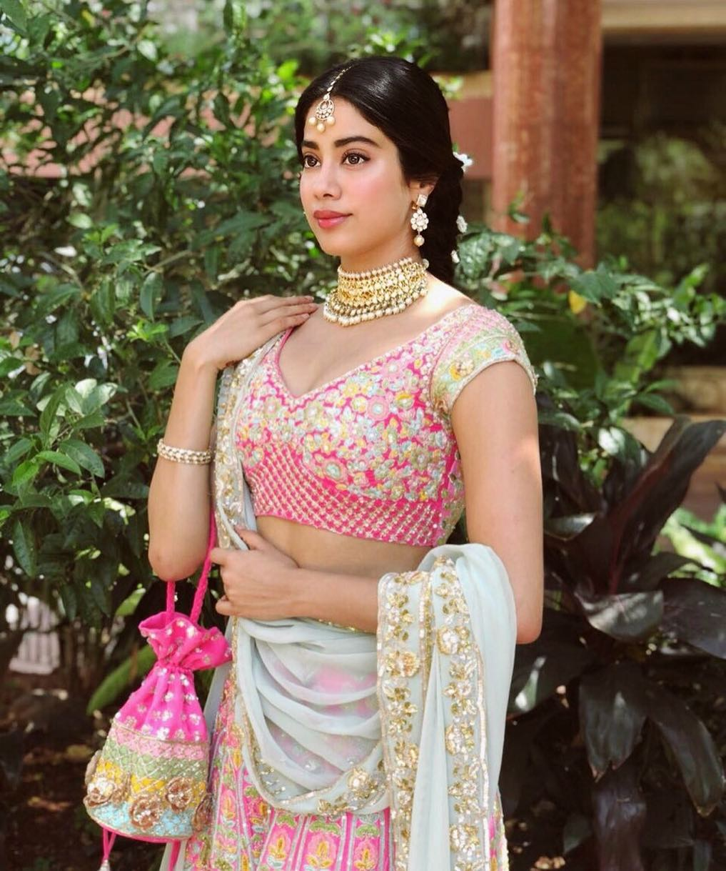 janhvi-kapoor-birthday-best-beauty-makeup-looks %284%29