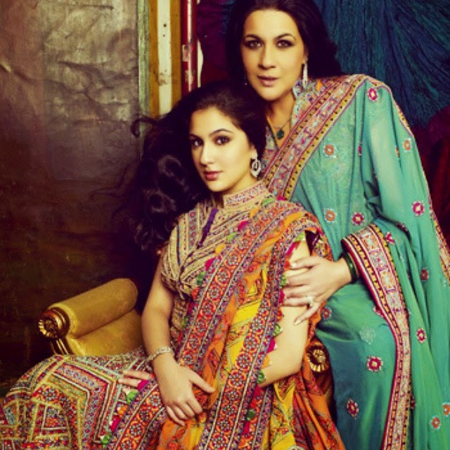 13-sara-ali-khan-with-amrita-singh