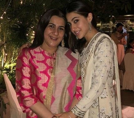 14-sara-ali-khan-with-amrita-singh