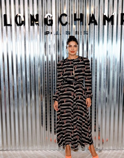 6-how-to-wear-striped -dresses